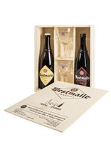 Wooden chest with one 75 cl bottle of Dubbel, one 75 cl bottle of Tripel and two 25 cl glasses